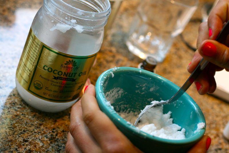 nanosenje kokosovog ulja