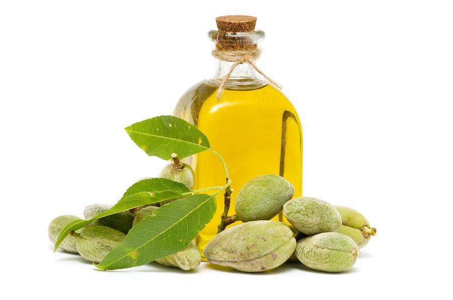 Slikovni rezultat za bademovo ulje od za sunčanje