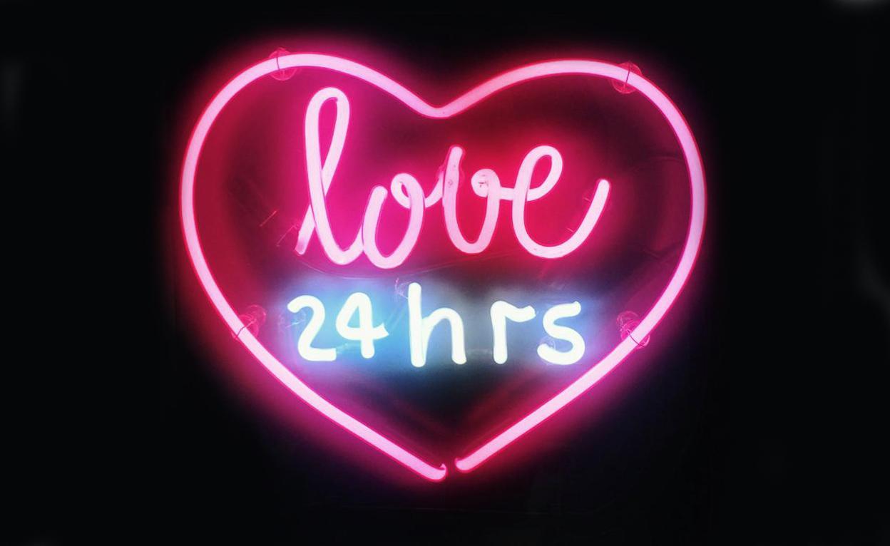 Sat značenje ljubavni Stranica nije