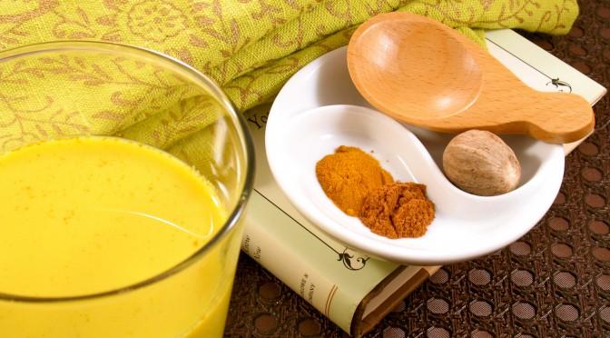 Zlatno mleko od kurkume - lekovitost i recept