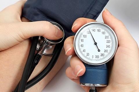 Kako sniziti krvni pritisak prirodnim putem pomoću ishrane